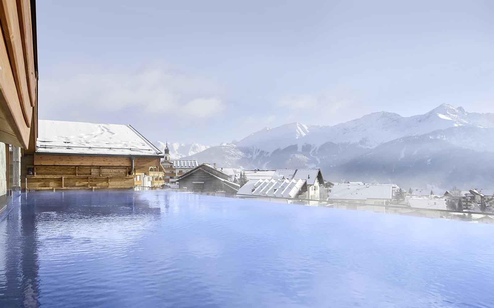 Hotel Tirol Fiss Serfaus-Ladis-Fiss Tyrol Austria Lifestyle-Hotel Winter Holidays Rooftop infinity pool