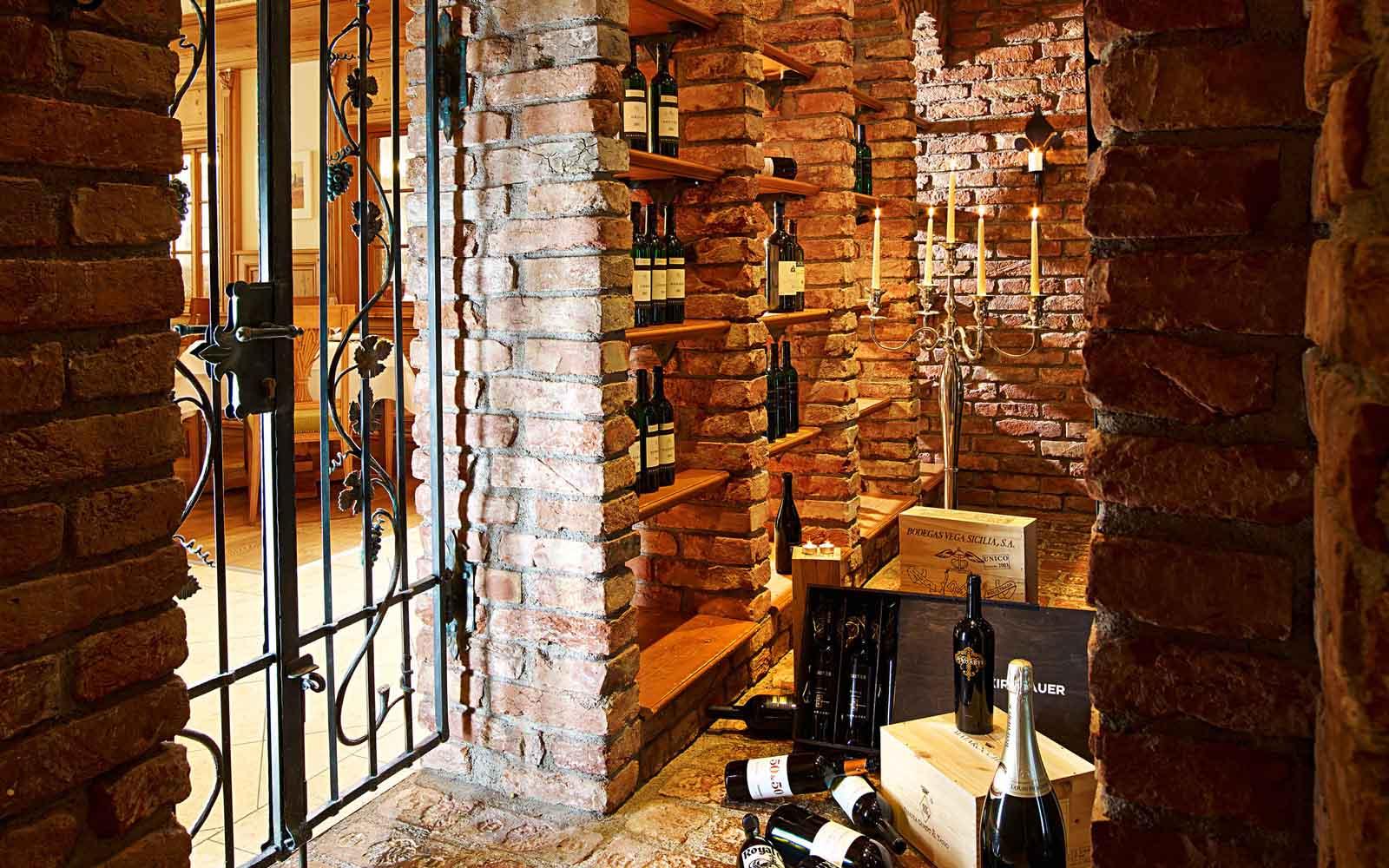 Culinary enjoyment Schlosshotel Fiss Serfaus Ladis Tyrol Spa Wellness Hotel