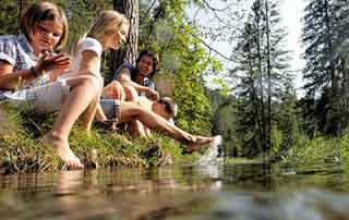 Singer Sporthotel Spa Berwang Zugspitze Tyrol Austria family holidays hiking