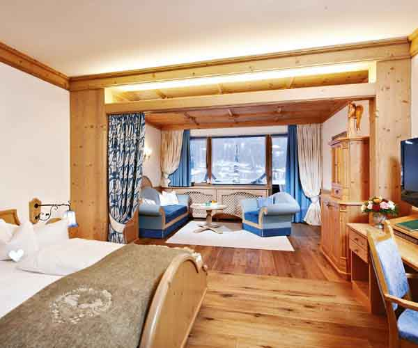 niche destinations Relais Chateuax SPA-Hotel Jagdhof 5 Stars Luxury Stubai Valley Neustift Tyrol Austria Family Skiing Holiday