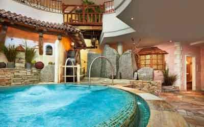 niche destinations Relais Chateuax SPA-Hotel Jagdhof 5 Stars Luxury Stubai Valley Neustift Tyrol Austria sunshine skiing easter holiday