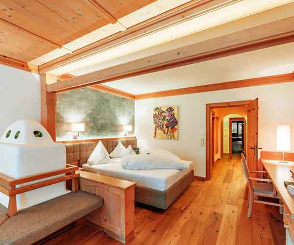 Time-out for two at 5-star Relais & Châteaux SPA-HOTEL Jagdhof in Neustift in Tyrol, Austria