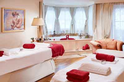 niche destinations Singer Sporthotel SPA 4-Star-Superior Berwang Austria Tyrol Golden Autumn wellness holiday