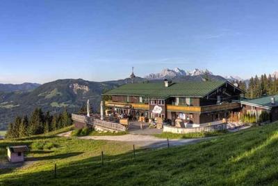 Angerer-Alm_St_Johann_Tyrol_Austria_family_holiday_alpine_hut