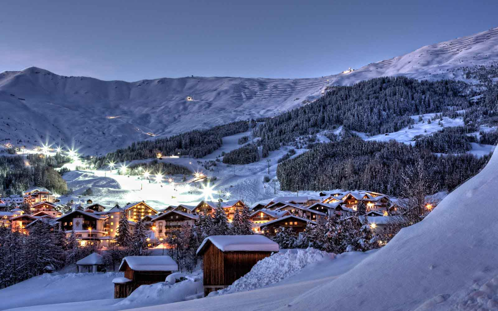 Hotel Tirol Fiss Serfaus-Ladis-Fiss Tyrol Austria Lifestyle-Hotel Winter Holidays Skiing Fiss at Night in Winter