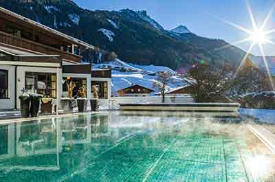 Winter Happy Stubai Hotel Hostel Neustift Stubaital