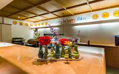 Rezeption Happy Stubai Hotel Hostel Neustift Stubaital