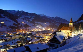 New Year ski deal - Niche Destinations 4-star-superior hotel GROSSARLER HOF night view