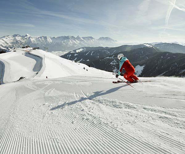 New Year ski deal - Niche Destinations 4-star-superior hotel GROSSARLER HOF night view