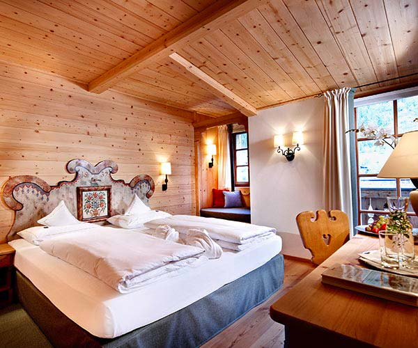 Ski touring holiday - Niche Destinations 4-star-superior hotel GROSSARLER HOF double room standard