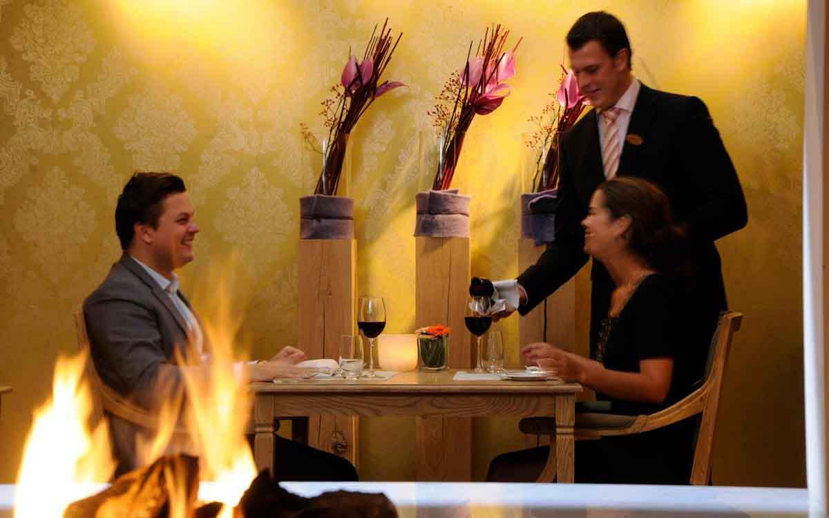 niche destinations Domaine La Butte Aux Bois Flandern Lanaken Belgium romantic escape time for two