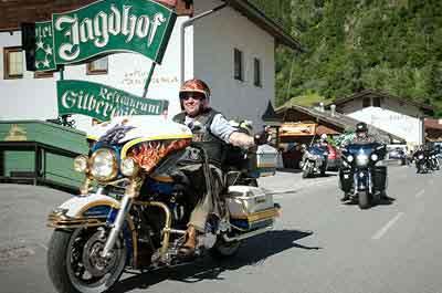 17.-HD-Bikertreffen-im-5-Sterne-SPA-HOTEL-Jagdhof-im-Stubaital-Tirol-Austria-9