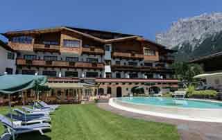 Romantic holiday bliss times two @Hotel Tirolerhof 4 Stars Ehrwald Zugspitz Arena Tyrol Austria