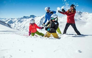 Family ski holidays best time Schlosshotel Fiss family fun