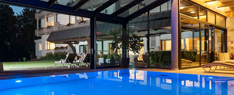 ParkZeit new guest magazine Park Igls Mayr clinic in Tyrol Austria_Pool