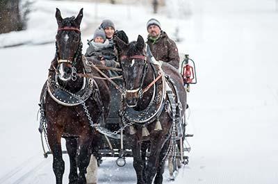 Christmas snow holiday in Tyrol Tirolerhof Ehrwald 4 Star Zugspitzarena Austria niche destinations