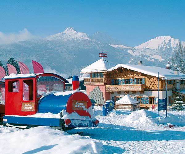 Family ski holiday in Ehrwald at the 4-star Tirolerhof Zugspitzarena Tirol Austria Confetti Alm