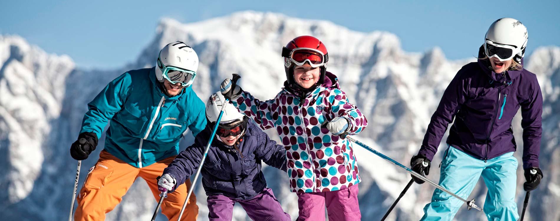 Family ski holiday in Ehrwald at the 4-star Tirolerhof Zugspitzarena Tirol Austria Family time
