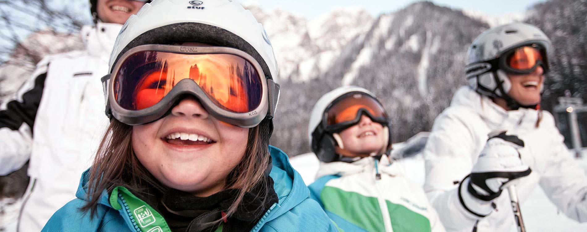 Skiing in december Familienhotel TIROLERHOF 4-Sterne Ehrwald Zugspitzarena Tirol_Austria Region Winter Ski