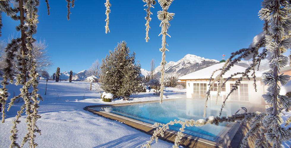 Fasten nach Hildegard von Bingen – Pirchner Hof Reith im Alpbachtal Tirol Österreich – Aussenpool im Winter