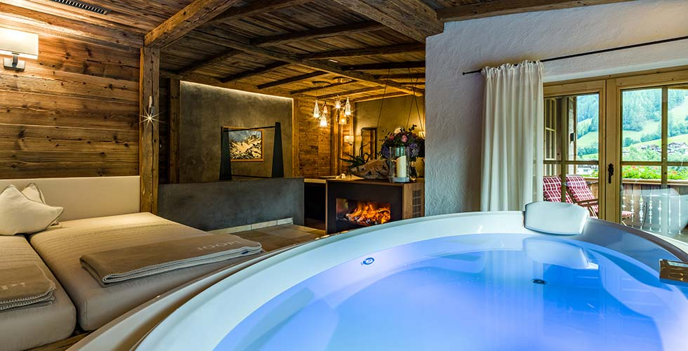 Malkurs Aquarell Acryl mit Lucia Riccelli im SPA-HOTEL Jagdhof in Tirol