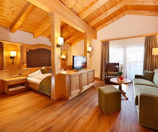 4 star superior spa hotel Italy Hotel Plunhof suite