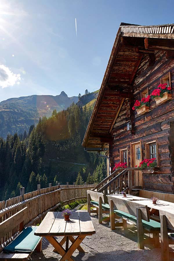 Romantic walking holiday at GROSSARLER HOF in SalzburgerLand