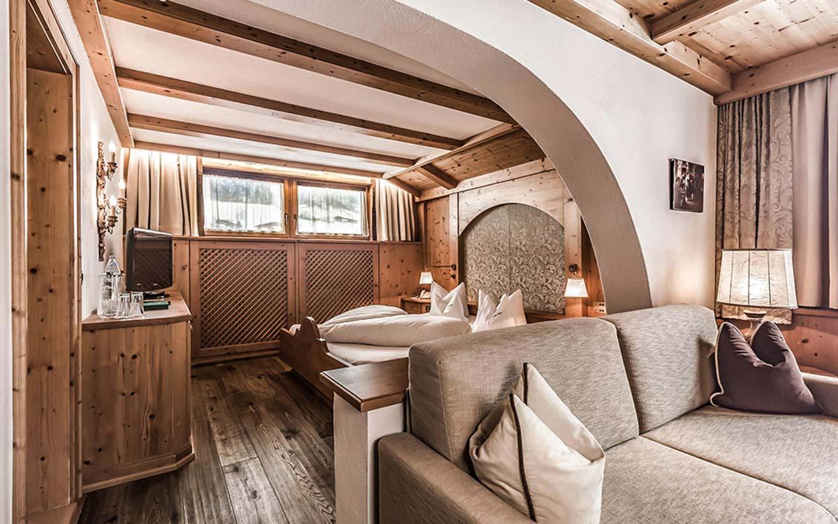 5 star Hotel Jagdhof Neustift Stubai Valley junior Suite (1)