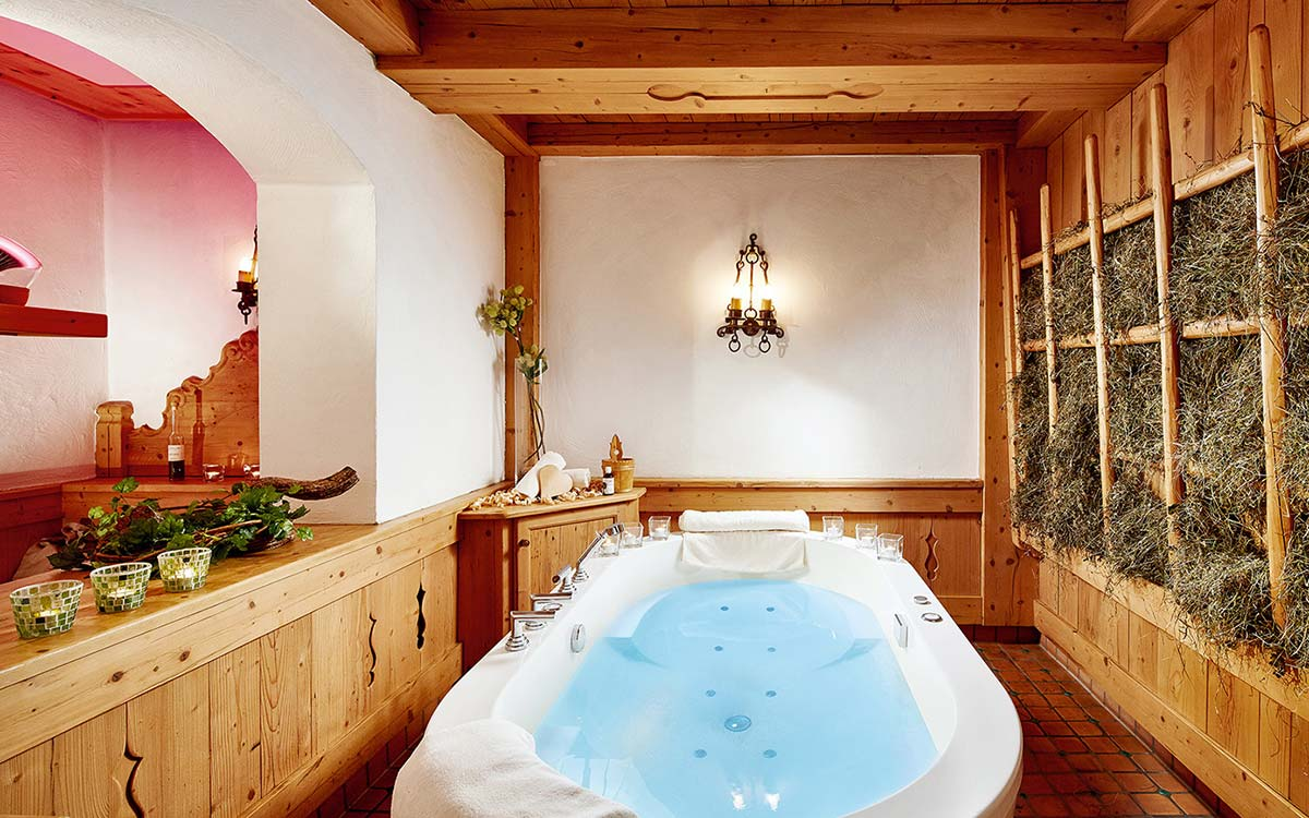 5 star Spa Hotel Jagdhof Neustift Stubai Valley bath experience