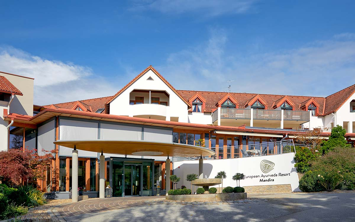 nd_ayurveda_resort_mandira_hotel